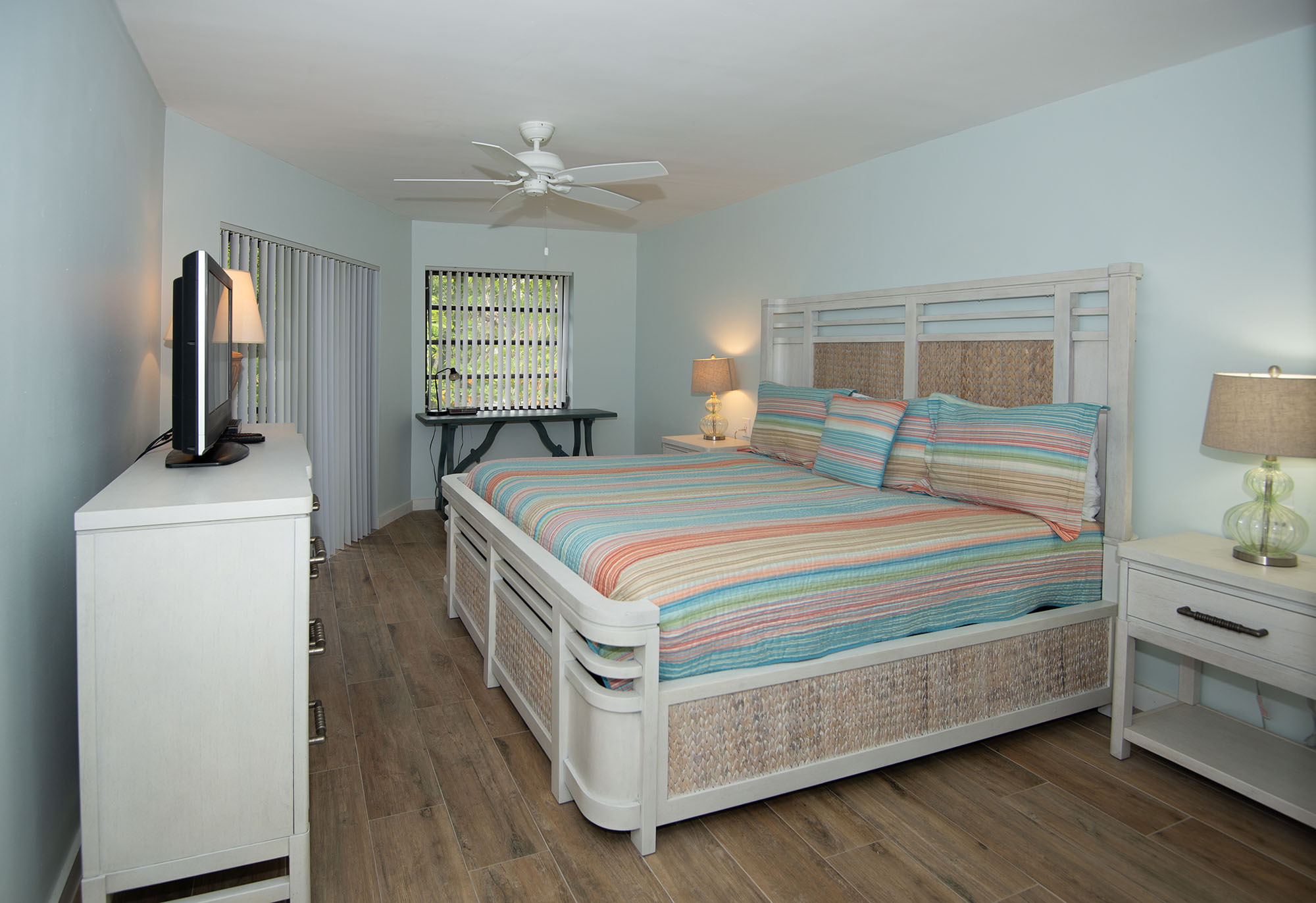 Marathon Key Beach Club Condo master bedroom